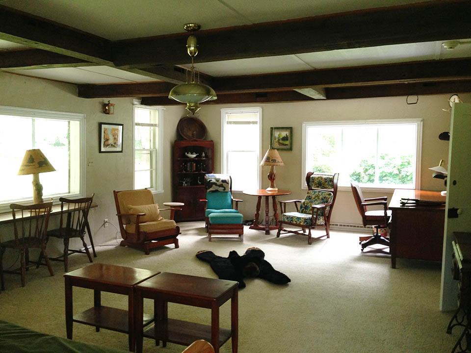 livingroom at swan house