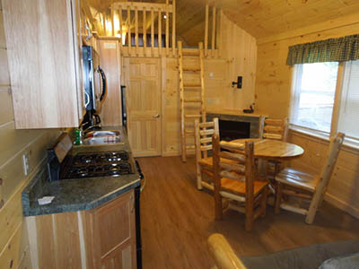 kitchen and dining area at keyhole cabin