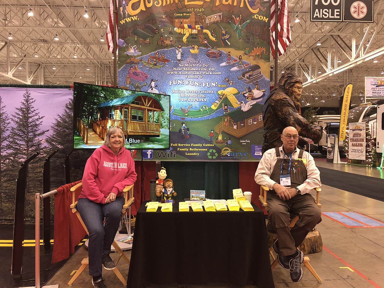 bill and marsha at the cleveland rv show